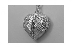 wing---sterling-locket